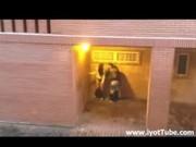 Voyeur videos-Tonåringar knullar offentligt