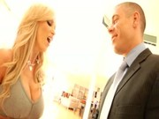 Nikki Benz - Stora bröst mogna slampa