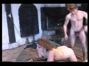 Svensk tjej onanerar och sprutar porr