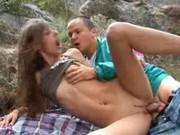 genomträngande flickor stort bröst