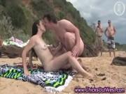 Unga sexiga flickor nakna och kata